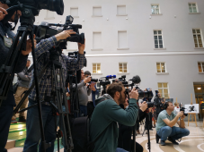 Глава СЖР рассчитывает, что отличительным знаком прессы на митингах станут жилеты