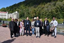 Иностранные участники форума современной журналистики «Вся Россия-2021» посетили горные курорты Сочи