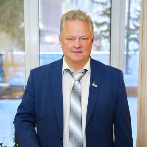Поздравляем с днем рождения председателя Союза журналистов Красноярского края Дмитрия Голованова!