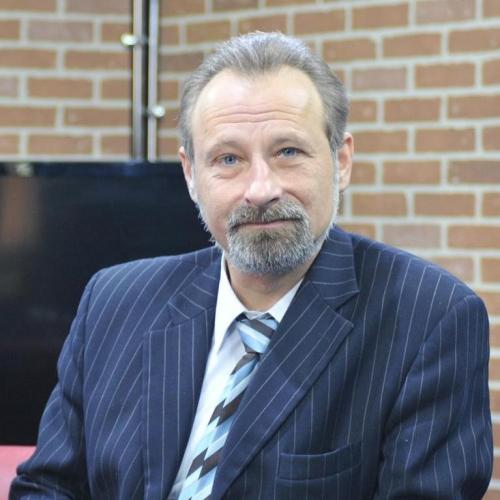 Поздравляем с днем рождения председателя Союза журналистов Ульяновской области Олега Самарцева